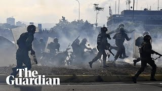 Venezuela: a day of chaos and violence after Juan Guaidó calls for military uprising
