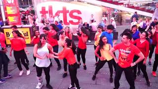 Single Rehne De | Simran | Kangana Ranaut | Times Square | Flash Mob