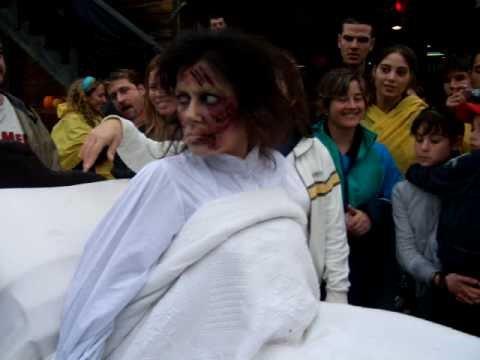 port aventura halloween 2008 la niña del exorcista
