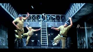 Kutti Pisasu Tamil Movie Scene   Riyaz Khan escapes from Jail   Ramya Krishnan