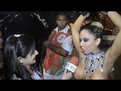 Carnaval 2014 Mulher Melão desfila só de tapa sexo e peitos de fora na Grande Rio