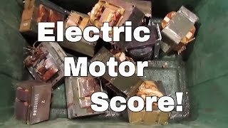 Electric Motor Score! - Dumpster Diving Motorcycle TURBO STYLE - Metal Scrapping for Cash 12-23-16