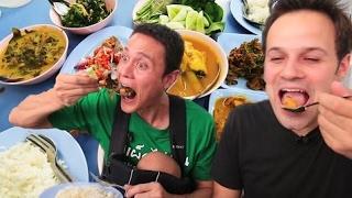 chinese food tv -  Thai Street Food Tour in Bangkok, Thailand   BEST Spicy BURNING Street Food Tour