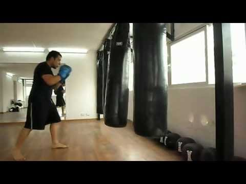 kick Boxing Entrenamiento con Saco Largo