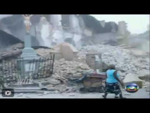 Haiti Vídeo mostra instantes após terremoto igreja desmorona e cruz fica intacta