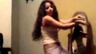 رقص على التيت