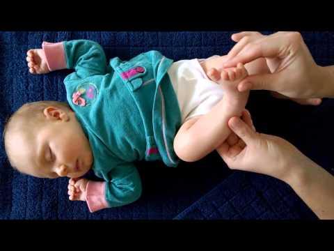 Xxx Mp4 Baby Reflexology Massage By Floor Tuinstra Starring Luna 1 5 Month 3gp Sex