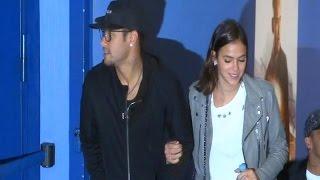 Neymar y su chica Bruna, cumpleaños en el cine