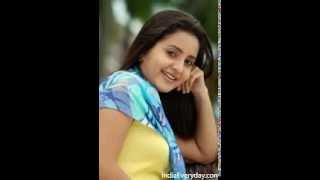 Munpe Vaa En Anpe Vaa - Actress Bhama Singing
