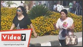 بالفيديو.. توافد أهالى الطائرة المختفية على مطار القاهرة لمتابعة مصير ذويهم