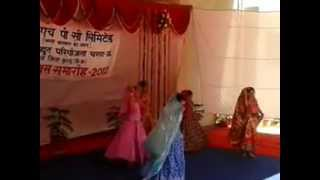Nishita,Yashi, Supriya, Aashi & Akansha performing on 15.08.2012 at Behali, Kullu(HP).