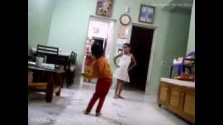 Kavil Dances with Nia on Bollywood Song of Chennai Express Lungi Dance Stars SRK Deepika
