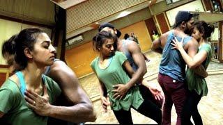 Very Hot Radhika Apte Dance Performance | Leaked rehearsal video