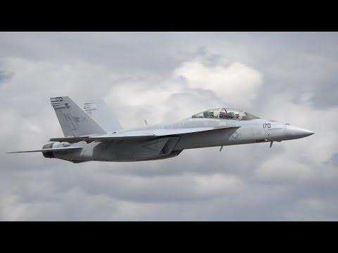 F/A-18 Super Hornet Sunday Demo .. Oregon Airshow 2016 (4K)