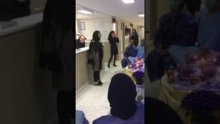صدای دلنشین دختر کرد بر سر سفره هفت سین بیماران بیمارستان شریعتی  تهران به امید شفای بيماران