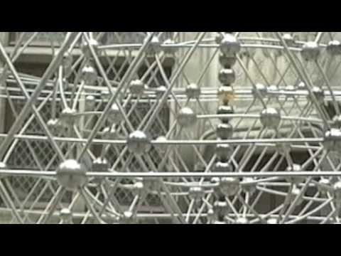 Tom Shannon's gravity-defying sculpture