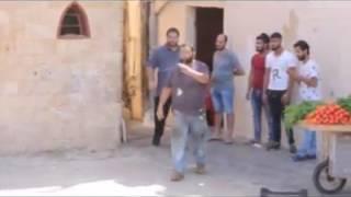 شاب صيداوي يحتجّ على تصوير الفنانة ريما ديب فيديو كليب داخل صيدا للقديمة