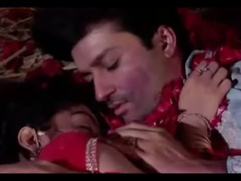 SurYa Remarriage - Suraj and Sandhya's Suhag Raat | Kissing scene