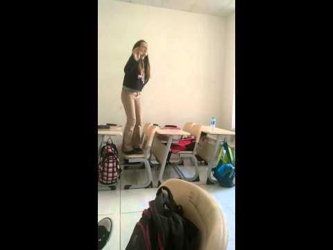 Bizim sınıfın oynak kızları
