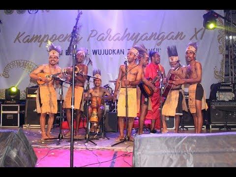 Xxx Mp4 HEBOH Mahasiswa Asal Papua Guncang Kota Bandung Wargapun Ikut Menari Bersama Bandung 2018 3 3 3gp Sex