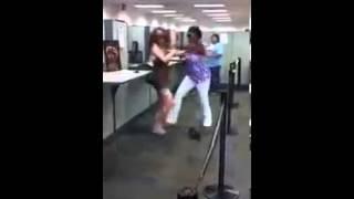 Black woman vs White woman kung-fu
