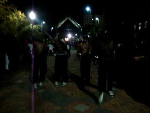 2009 JSU Drum Majors Get Ready