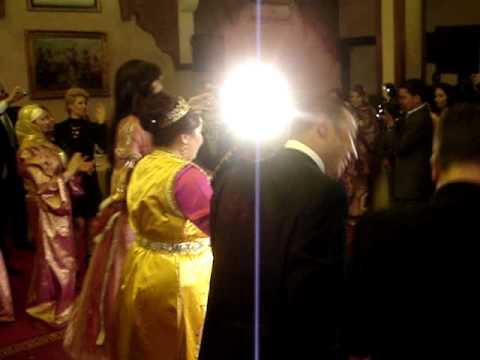 NOOR la star marocaine DANSE AU MARIAGE DE LA CHANTEUSE SAIDA CHARAF