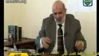 Egyptian Islamist: Whoever eats and drinks with his left hand follows Satan