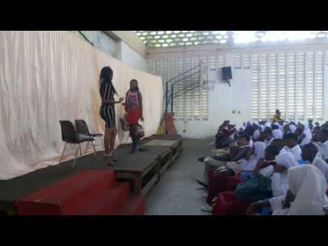 Shangilia Theatre Africa wakiigiza kitabu cha Passed like a Shadow