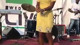"""Ghana SHS student kills the """"Do the Dance"""" song with her dance moves"""