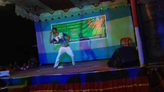 Awesome bangla dance by Bangladeshi Local Boys.