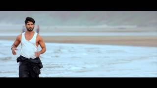 Alia Bhatt Hot Bikini Scene - Shaandaar