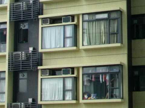 少女刻意走光 著� �條底褲 在窗檯前行嚟行去