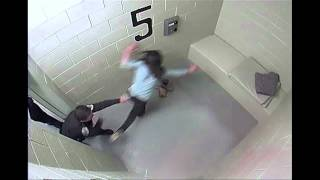 Imagens fortes : Vídeo mostra mulher sendo agredida dentro de delegacia