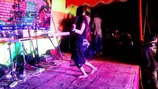 bangla new 2015  Dance hot kotalipra হট সেক্সি নাচ নাচতে নাচতে কাপড় উধাও k m c