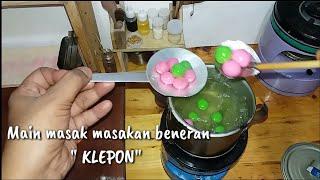 "Mini cooking "" KLEPON"" Indonesian food    Main masak masakan beneran "" KLEPON """