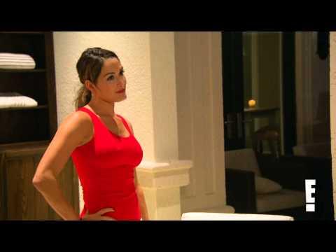 Xxx Mp4 Nikki Bella Throws Beer In John Cena S Face Total Divas Preview Clip 3gp Sex