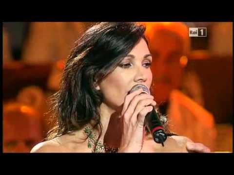 Tu ca nun chiagne Francesco Merola e Luisa Corna Napoli Prima e Dopo del 22 luglio 2011