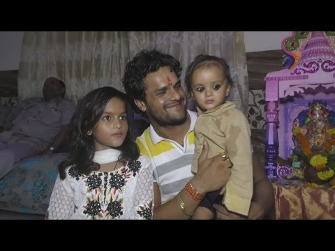 Xxx Mp4 खेसारी की बेटी ने 21 लाख में साईन की फिल्म Khesari Lal's Daughter Charges Rs 21 Lakh For Her Debut 3gp Sex