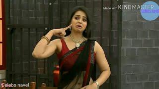 Hot bhabhi armpits in sleeveless saree