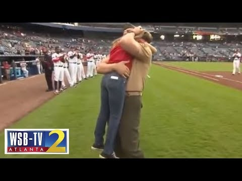 Military dad surprises his daughter at