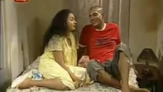 Mallu Bhabi big Bo00b Squeezing in Bgrade
