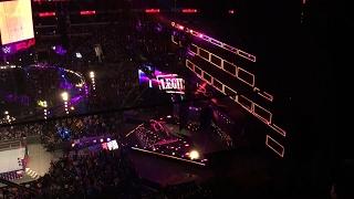 WWE RAW 10/3/16 Sasha Banks live entrance