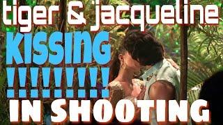 Kissing!!!!! Scene of tiger & jacqueline during shooting of flying jatt
