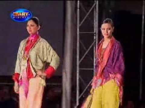 Pakistani Models: Lux Carnival de Couture 2003 (Part 3)