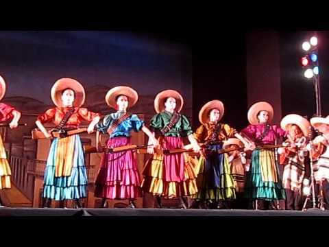 Adelita La Revolucion Parte 1 Ballet Folklorico de Mexico de Amalia Hernandez