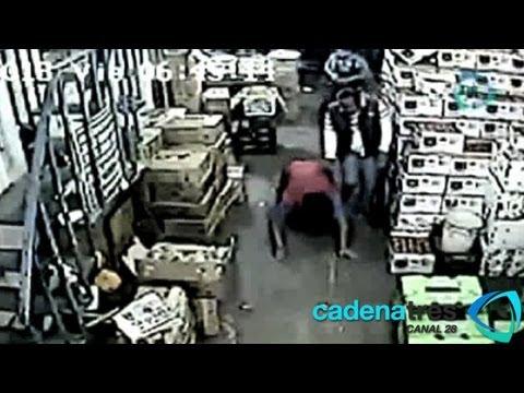Graban cámaras intento de asalto y asesinato de comerciante en la Central de Abastos