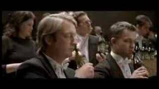Traditional L'orchestre plays on the beer bottle