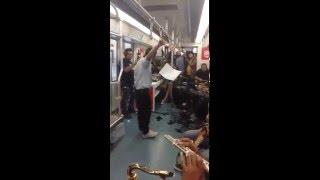 Amit Trivedi Singing Pashmina Song in Delhi Metro - Live Jamm