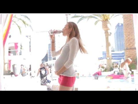 فتاة حامل تشرب الخمر في شوارع امريكا شاهد رد فعل الناس